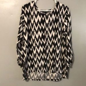 Tops - (2 for 15$) patterned top
